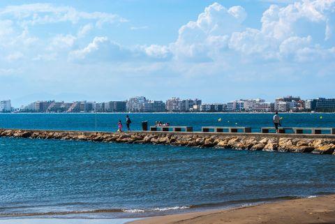 d1351-platja-roses-costa-brava.jpg